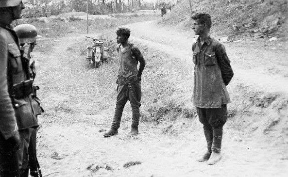 Два пограничника из Брестского погранотряда дала бой колонне немецких мотоциклистов